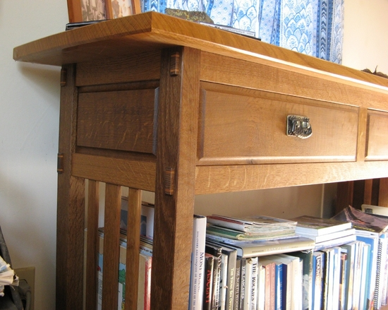 Mission Side Table Detail | Home Office